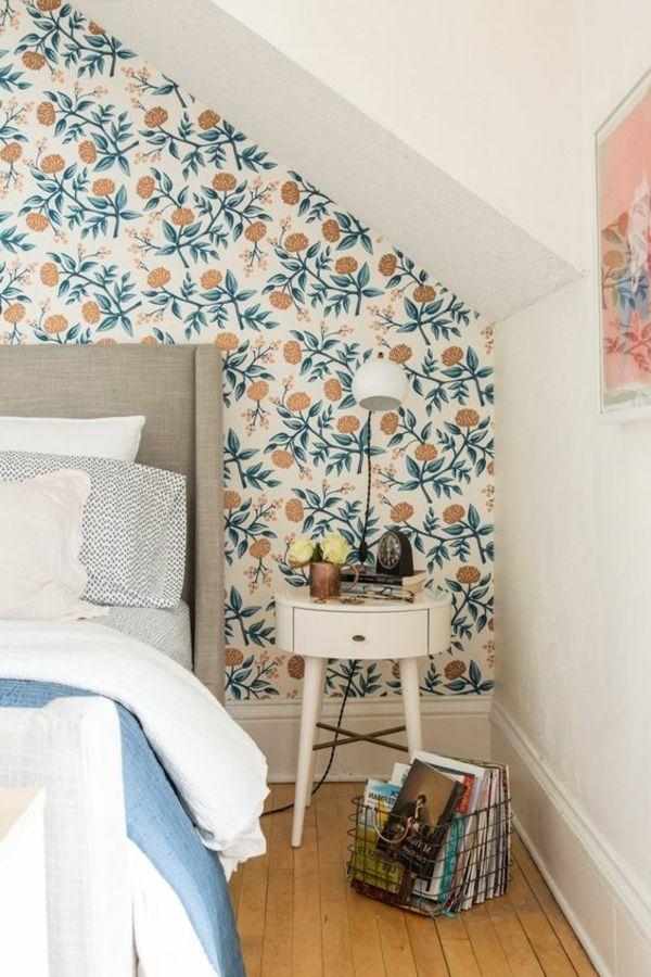 Tapeten Schlafzimmer Mit Dachschräge Und Sommerlicher Tapete