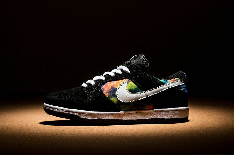 The Nike SB Dunk Low Elite Oskar Rozenberg (Style Code: 877063-001) is set  to release on May 18th featuring an updated performance Dunk constructio…