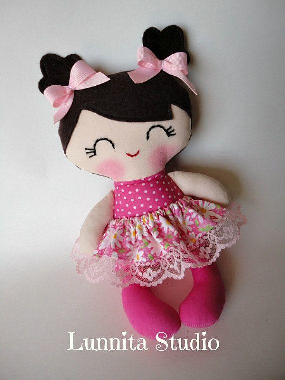 Muñeca de tela hecha a mano muñeca de trapo de regalo