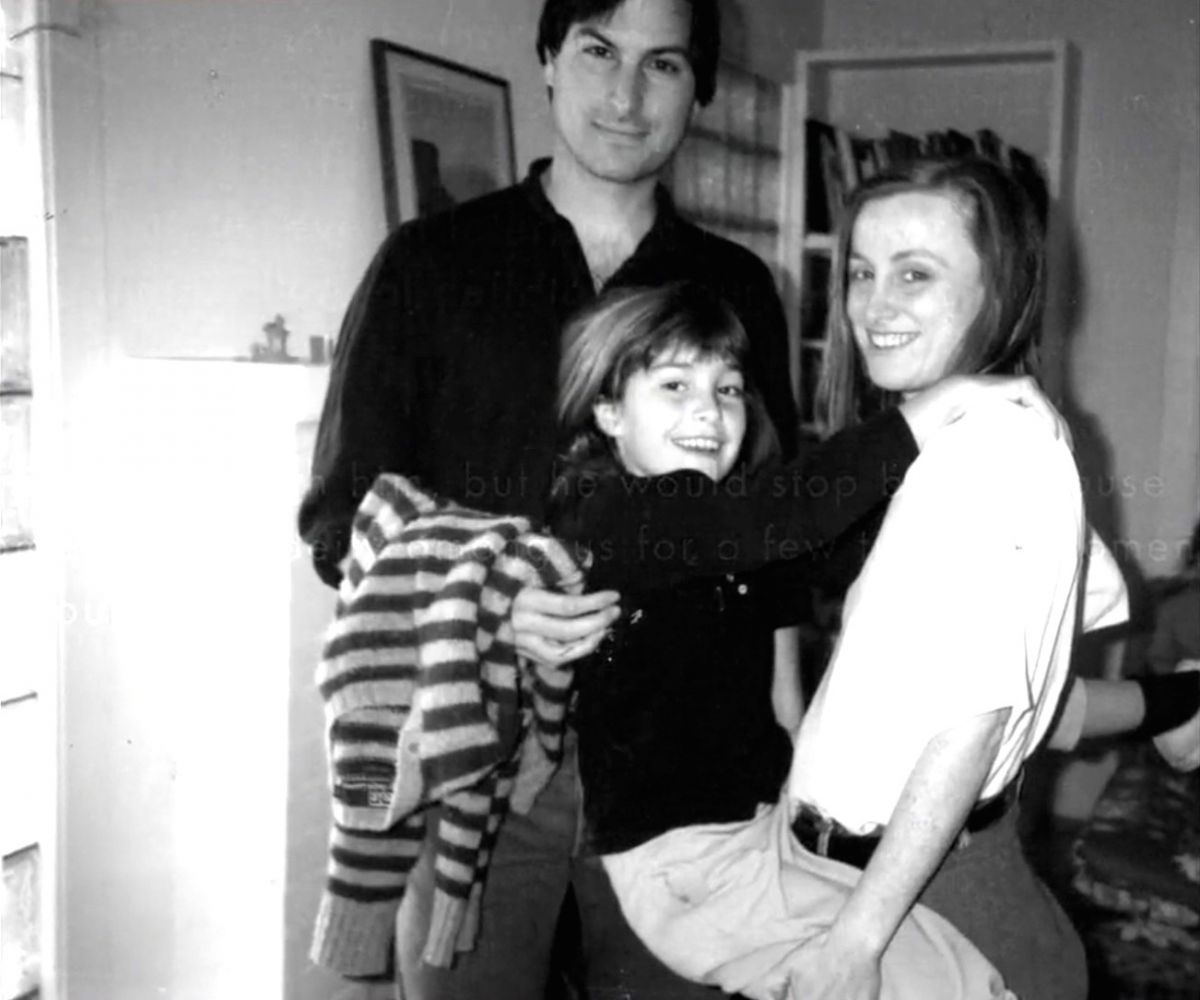 Steve Jobs With His Daughter Lisa Middle And His Sister Mona Simpson 1986 Steve Jobs Steve Jobs Book Steve