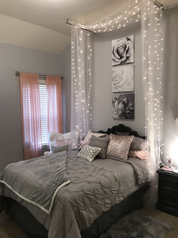 Image result for cool room ideas for teens girls with lights and pictures  R o o m I d e a s