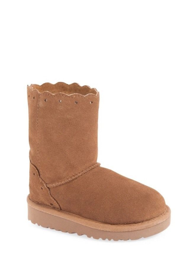 5dc1a0cf517 UGG Walker Girl Fame Chestnut Suede Boot Size 6M MSRP  109.95