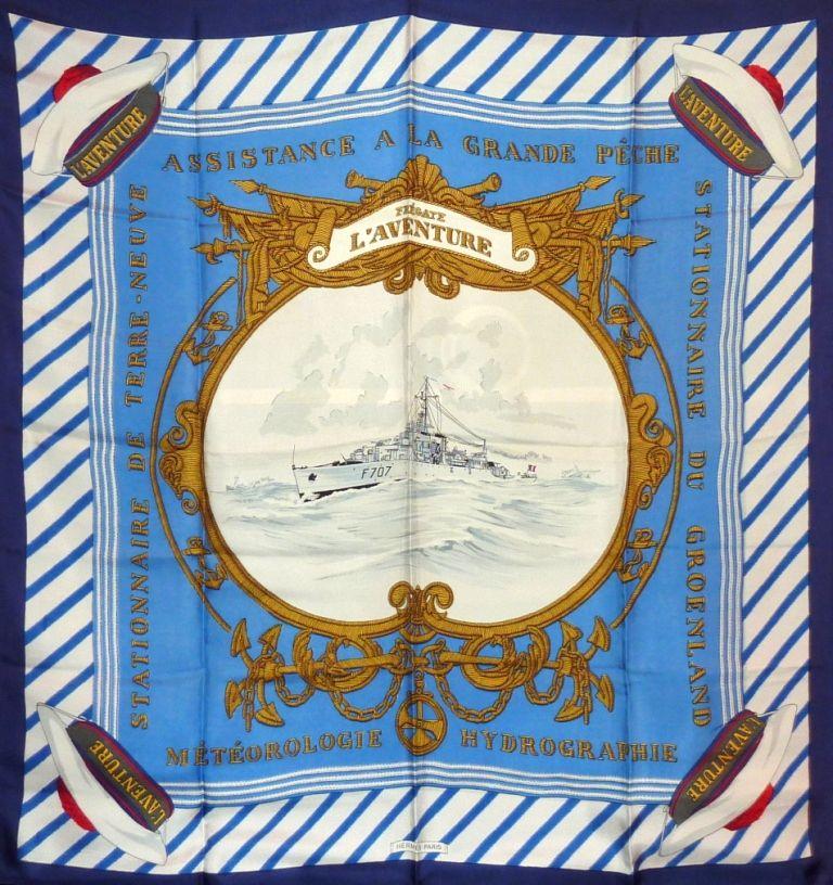 """Foulard carré de soie Hermès """"Frégate l'Aventure"""" coloris bleu, première édition 1956,"""