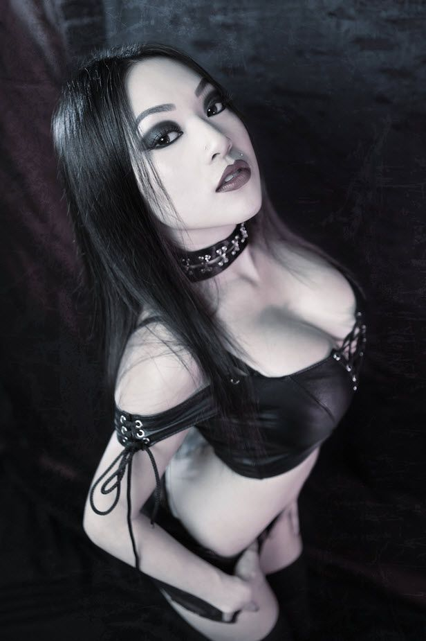 Busty E Cup Goth Girl