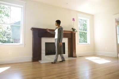 Pros and Cons of Hardwood Flooring Vs. Bamboo