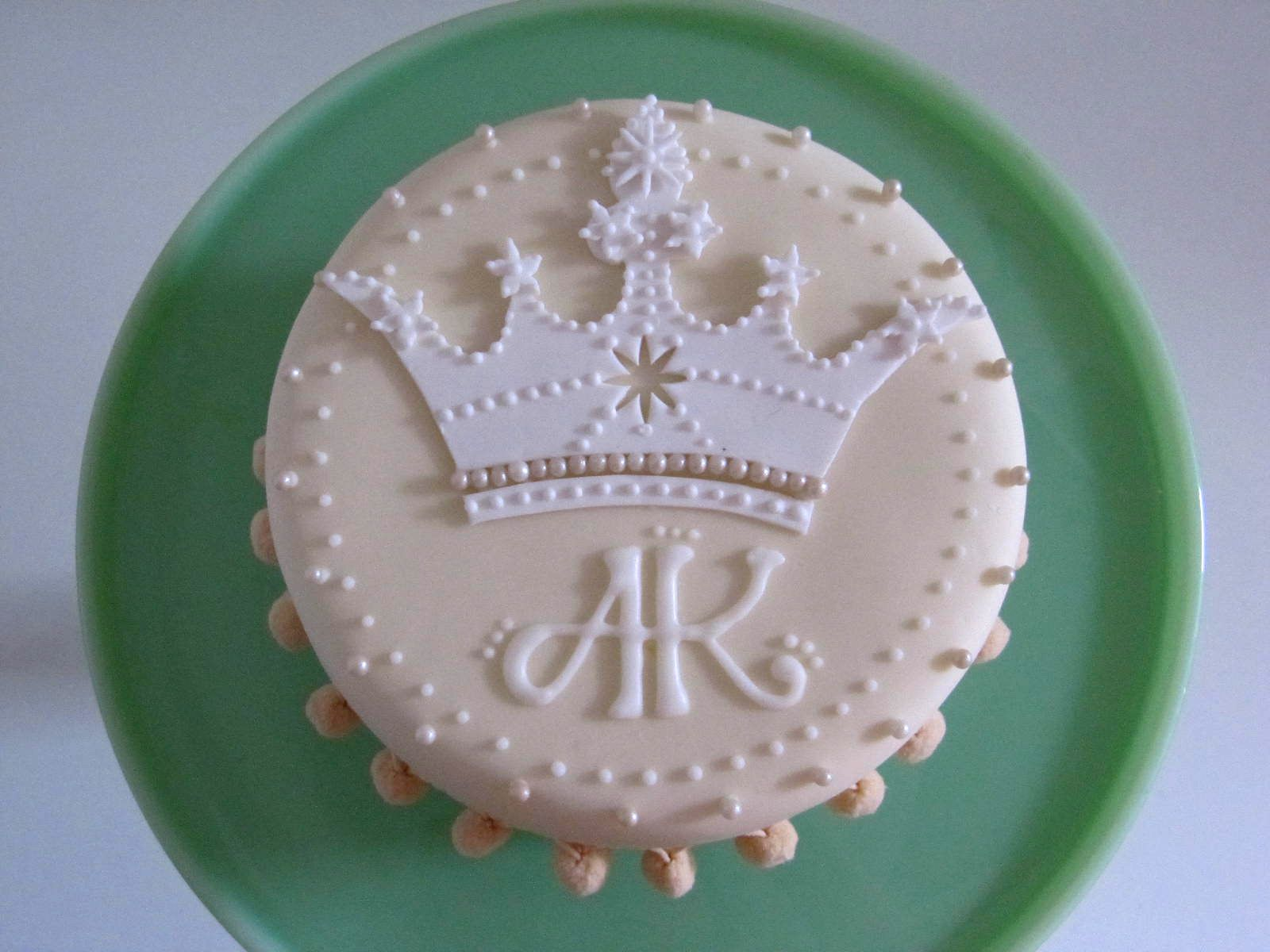 Crown And Monogram Birthday Cake Style  Pinterest Monogram - Monogram birthday cakes