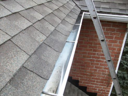 Dallas Fort Worth And Surrounding Suburb Homeowners Can Expect Exceptional Service From Ned Stevens Gutte Cleaning Gutters How To Install Gutters House Gutters