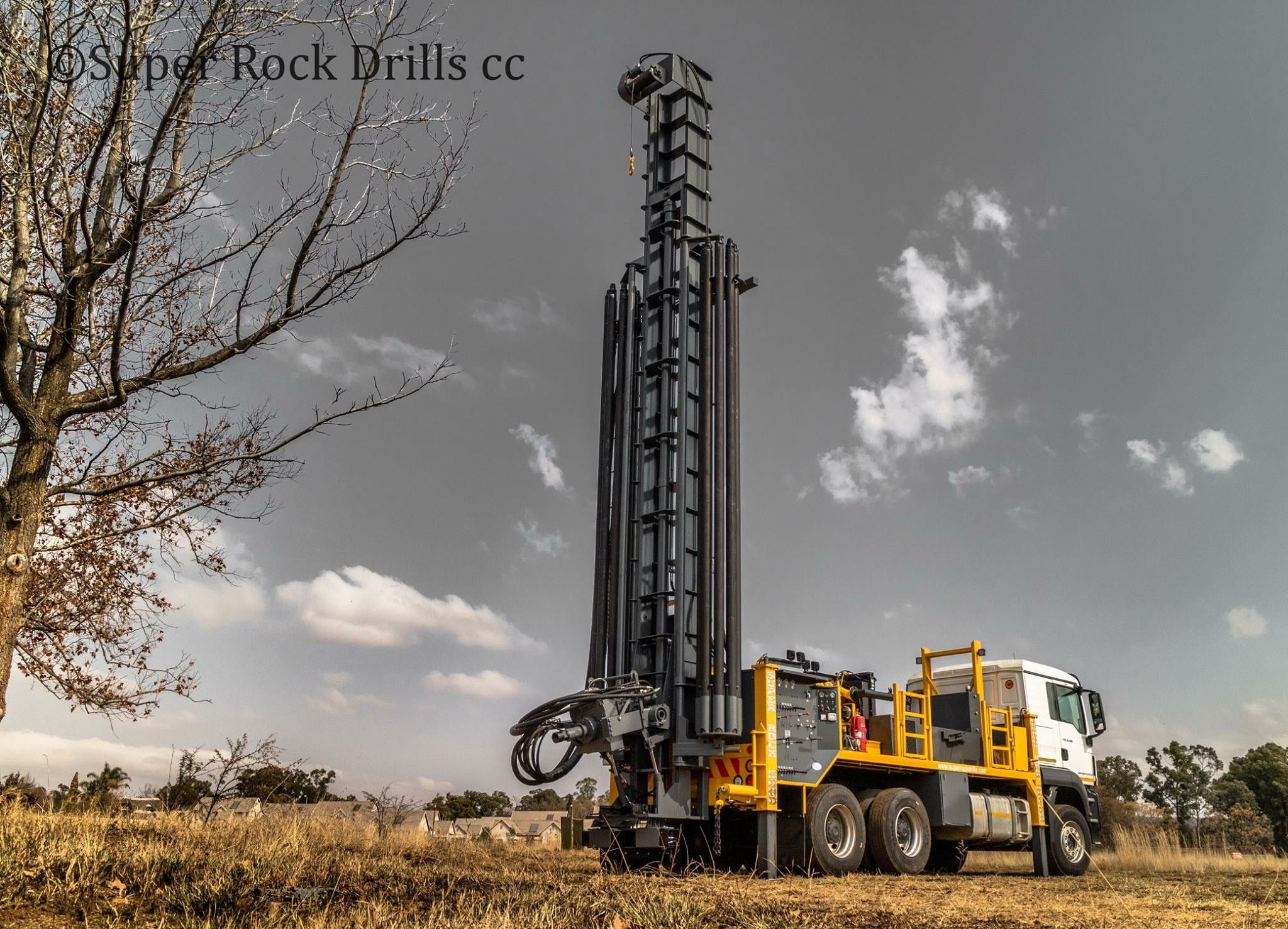 A Super Rock 5000 Waterwell Drill Rig Manufactured By Super Rock Drills South Africa Water Well Drilling Rigs Drilling Rig Water Well Drilling