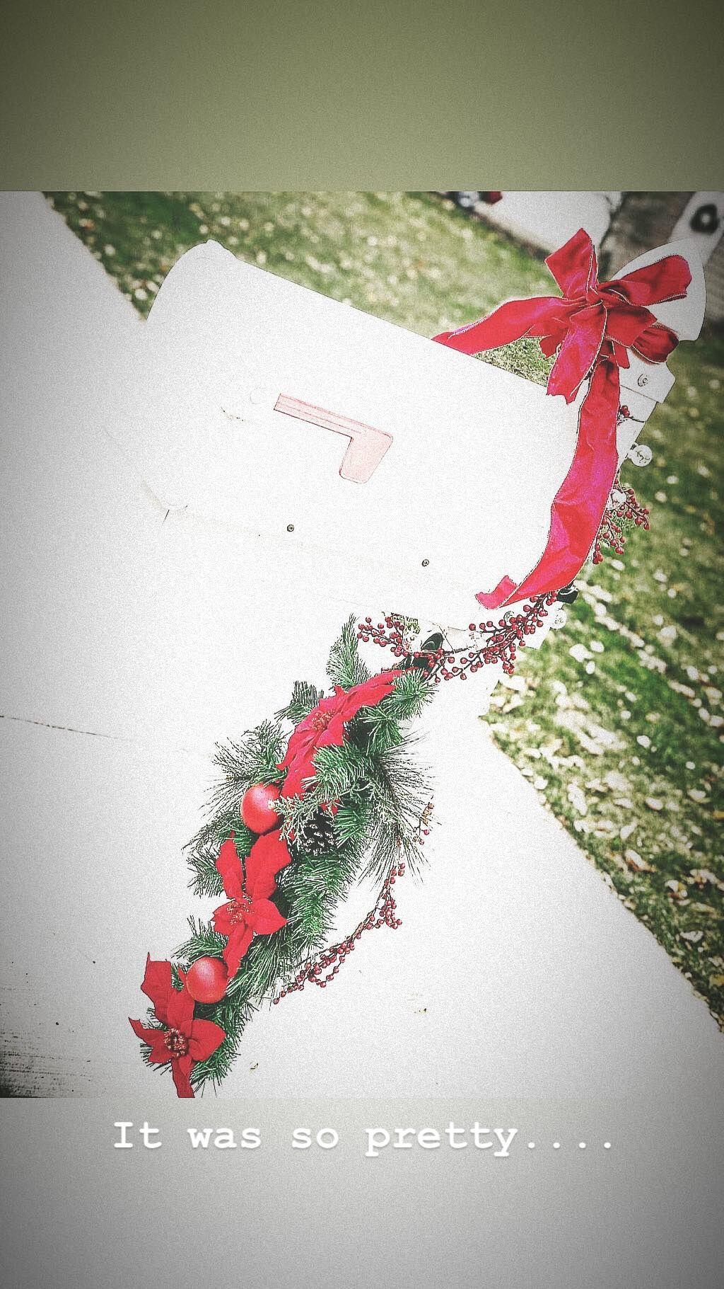 Christmas mailbox Maple leaf tattoo, Christmas, Leaf tattoos