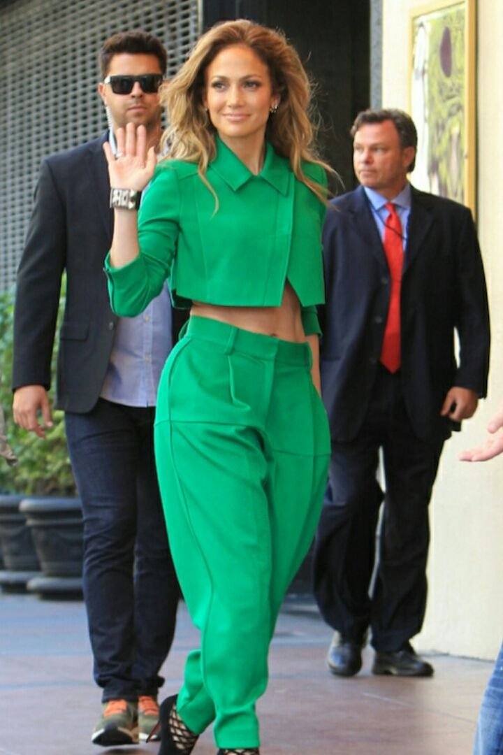 JENNIFER LOPEZ green ICB Pant suit | PrettyEnergy | Pinterest ...