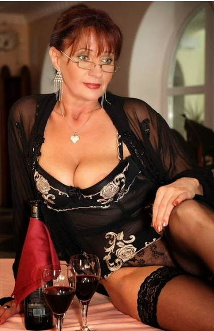 Pin On Sexy Older Women-4734