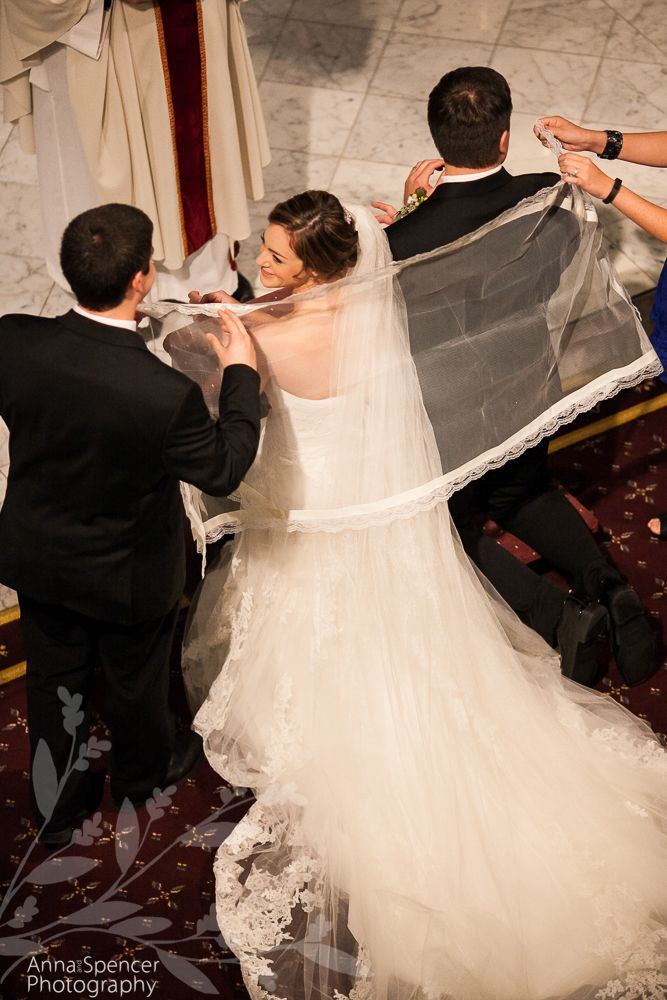 Spanish Filipino Wedding Tradition Of The Veil Amanda David S Basilica Sacred Heart Villa Christina Anna And Spencer Photography