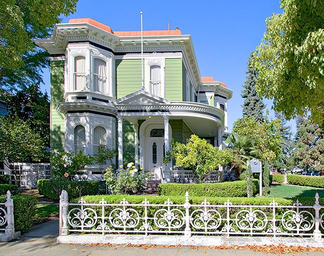 Pretty Green Victorian With Convex Mansard Roof Dream