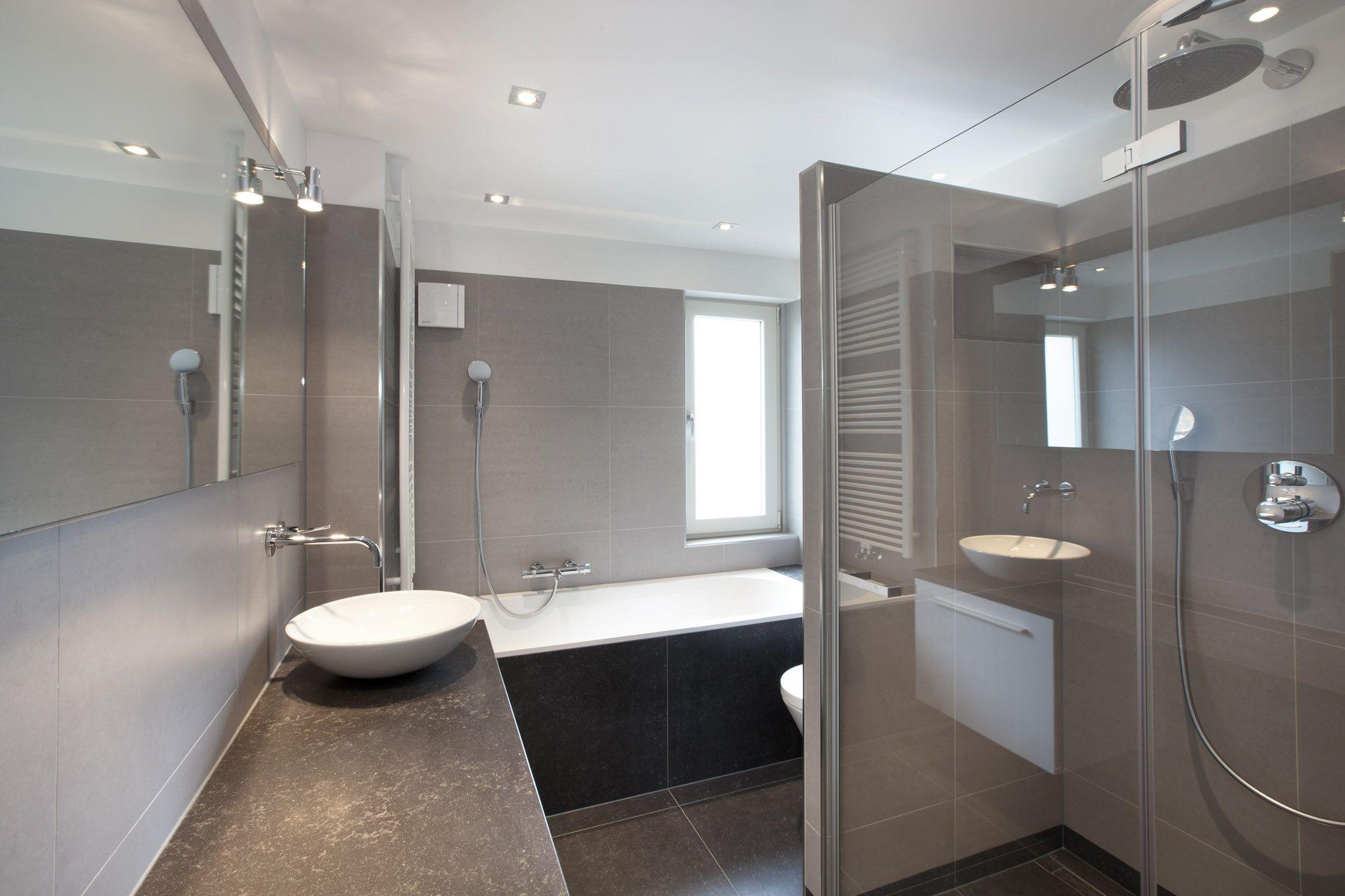 Inloopdouche Met Baderie : Badkamer bad en inloopdouche badkamer van morgen bad eruit douche