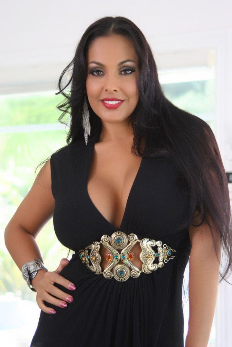Nina Mercedez Nude Photos 47