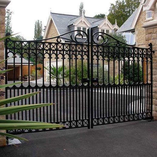 Richmond Driveway Gate With Images Gate Design Door Gate