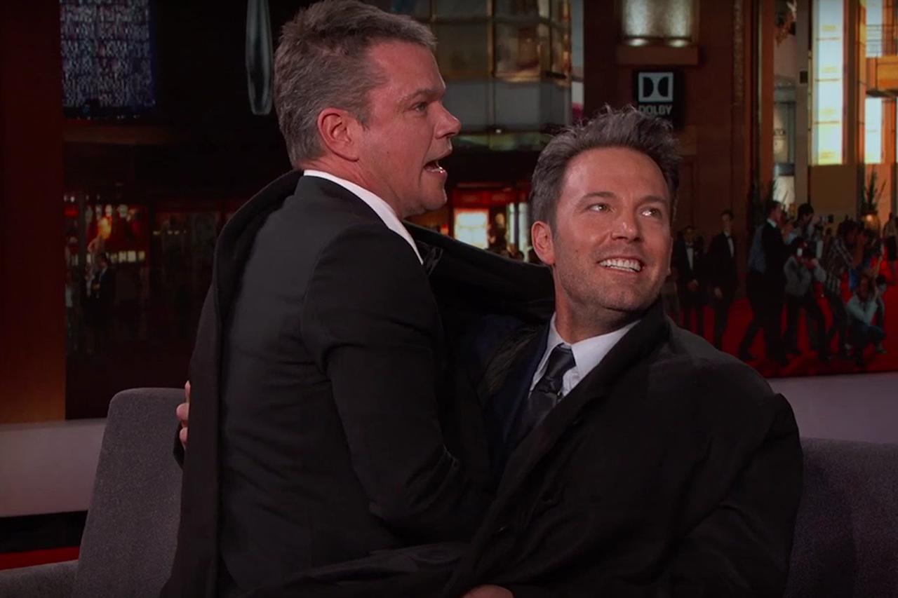 Video Ben Affleck Sneaks Matt Damon Onto Jimmy Kimmel Live Matt Damon Ben Affleck Matt Damon Ben Affleck