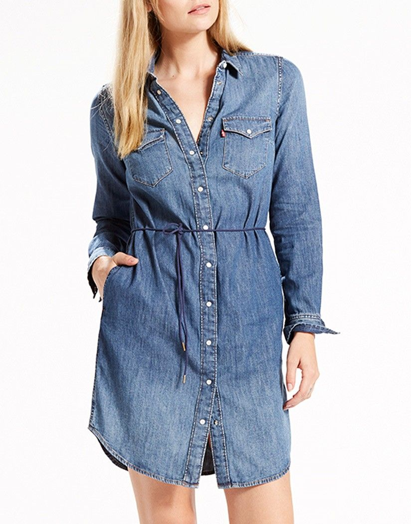 fccd7e3b16 This iconic Western dress by Levi s is a great addition to your summer  wardrobe. A