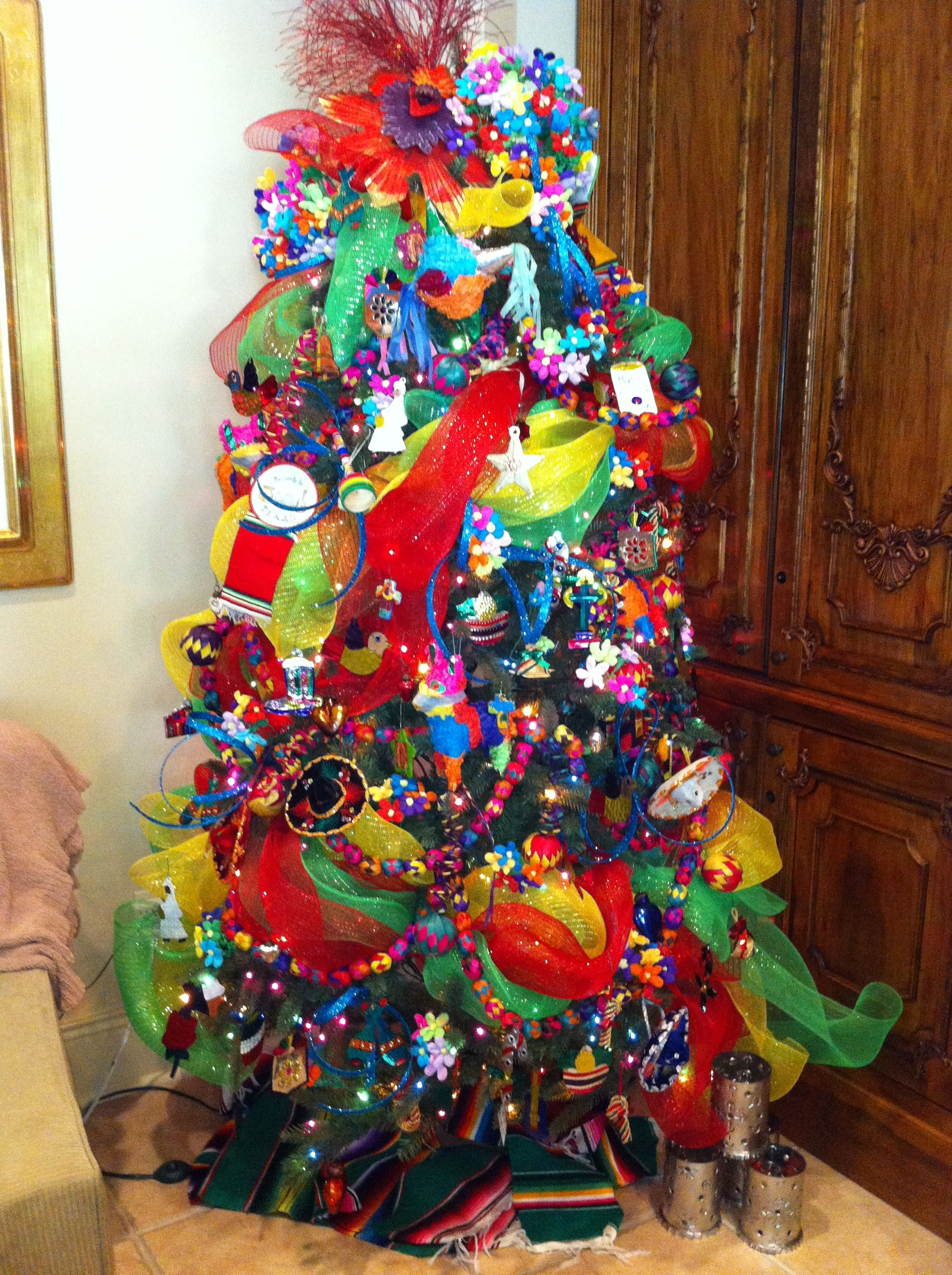 Feliz Navidad Tree