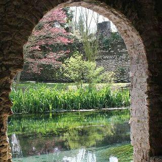 Sulle Strade del Mondo: Ninfa, il giardino più bello del mondo