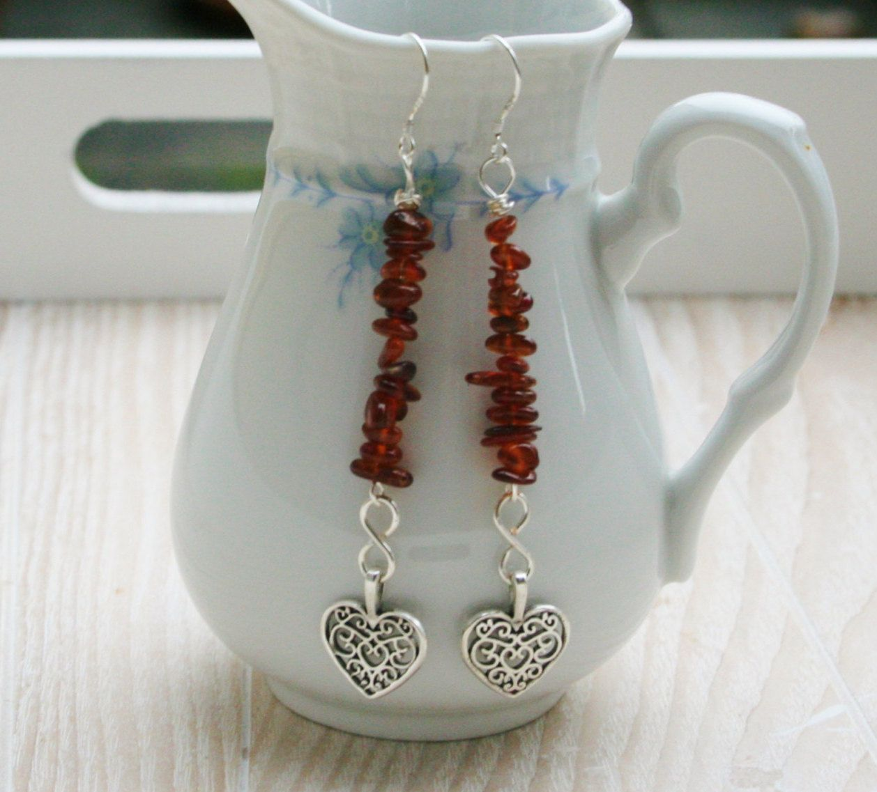 Een persoonlijke favoriet uit mijn Etsy shop https://www.etsy.com/nl/listing/493726561/granede-hearts-earrings-silver-plated