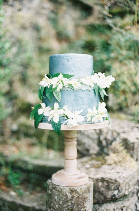 25 Best Wedding Cakes For the Fine Art Bride - Wedding Sparrow | Best Wedding Blog | Wedding Ideas