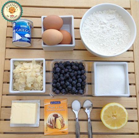 Ingredientes bizcocho de arándanos y almendras. Blueberry and almond cake.