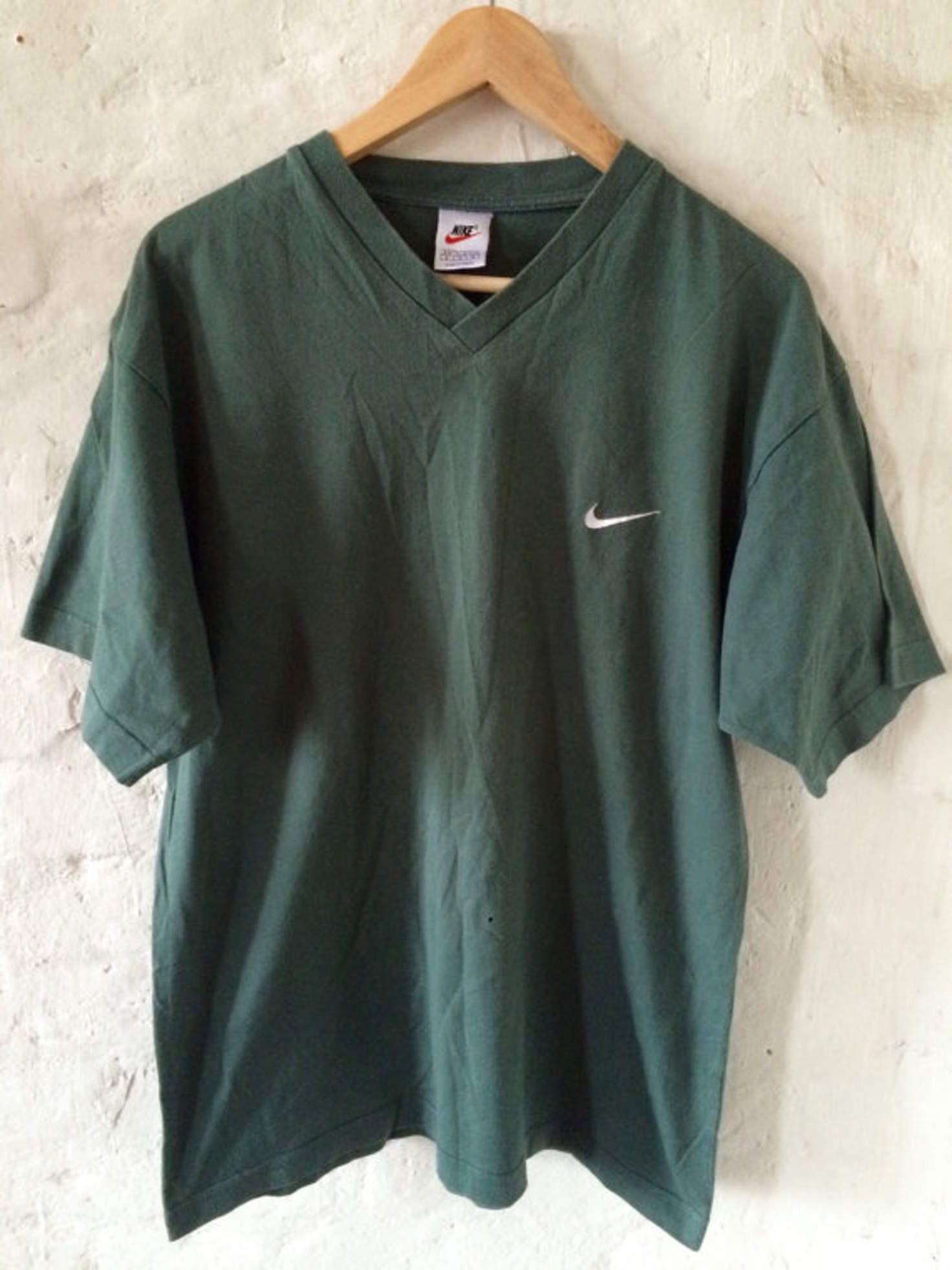 c9330f60e4a70 Vintage Nike T-shirt / Shirt / V-neck Green Medium 90's   Wishlist ...