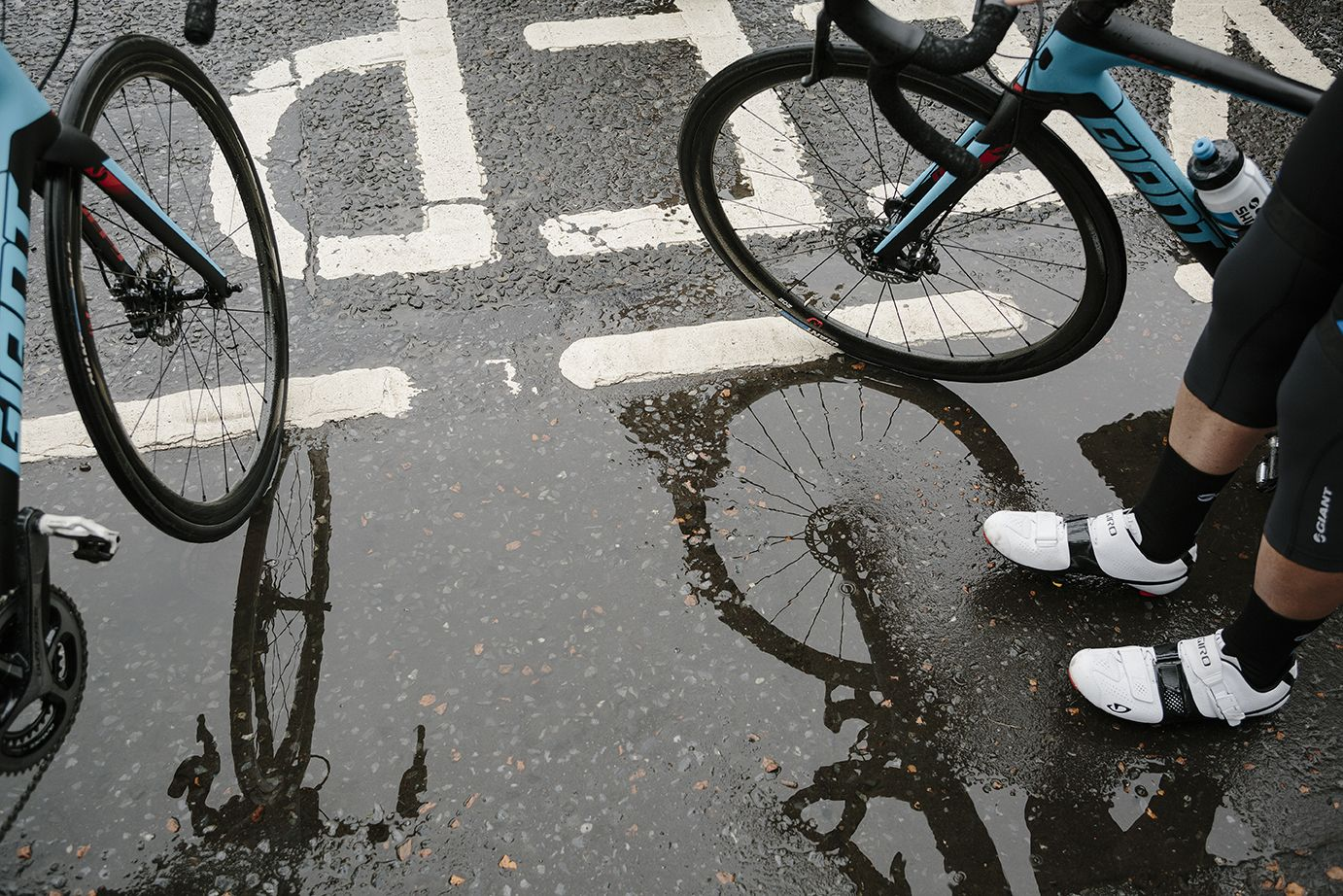 10 Top Tips For Road Cycling In The Rain Road Cycling Cycling Bike
