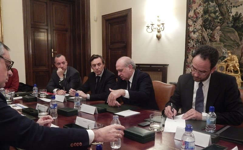 El Embajador de España es el máximo representante legal de España en Afganistán. Nombrado en Consejo de Ministros, dirige el trabajo de todas las oficinas que dependen de la Embajada. Asimismo, inf...Segurpricat: Mueren dos policías nacionales heridos en el ataque terrorista de #Kabul #Afganistan… http://wp.me/p2n0XE-5oM via @careonsafety