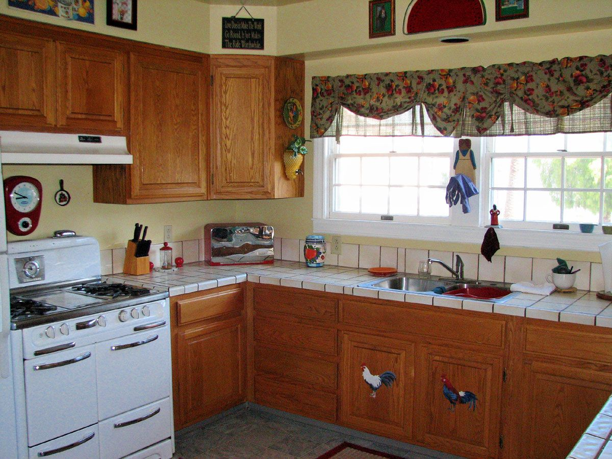 Old Fashioned Kitchen  Old Fashion Kitchen Style With Natural Simple Kitchen Styles Designs Review