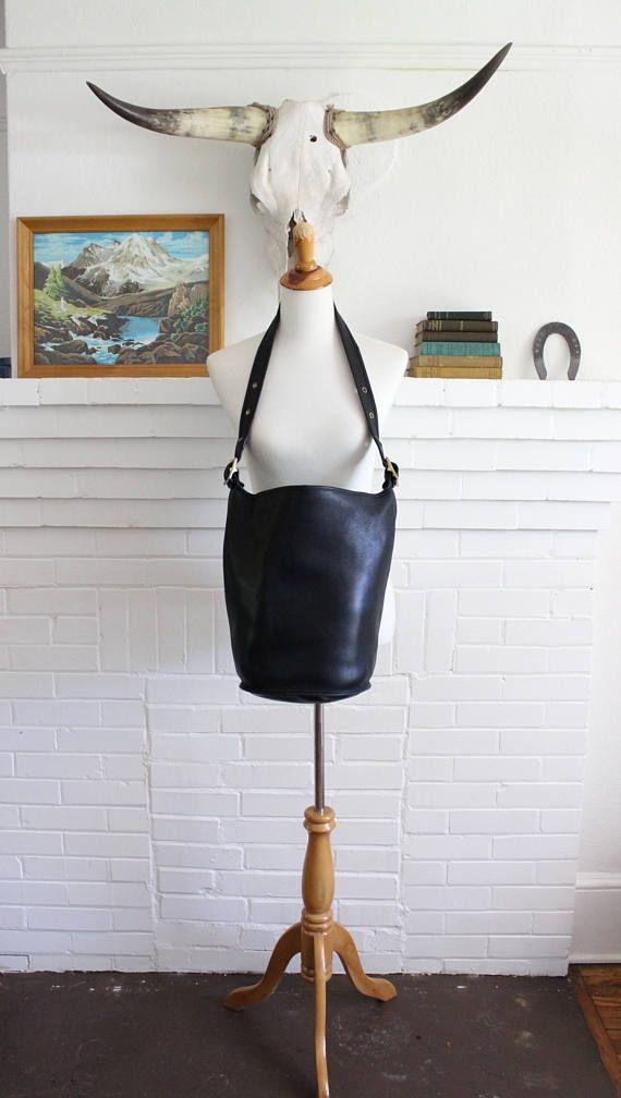 e8fd674157 Vintage Coach Duffle Bag XL Black    9085 Leather Bucket Feed Bag ...