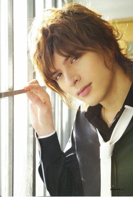 Shirota Yuu - He has such seductive lips, beckoning for a kiss...