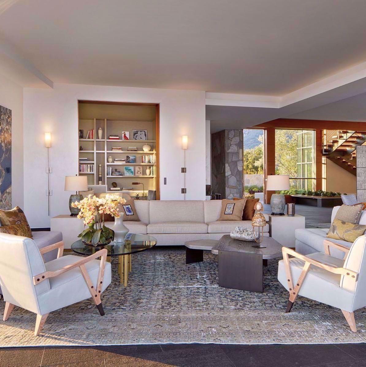 The best example of California living. Bright, airy, and connected to nature. #malibu #bradleybayou #bradleybayouhome #designer #california #californiahomes #markphillips #interiordesign #home #designinspo #livingroom #bookshelf #sofa #interiordesigner #beach #lifestyle #homestyle #style #beauty