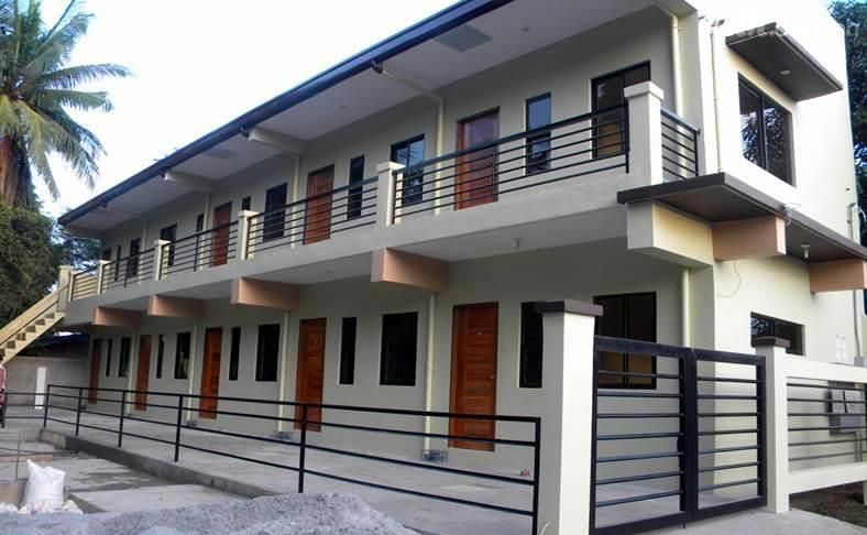 Two Story Apartment With 4 Units Apartments Exterior Small