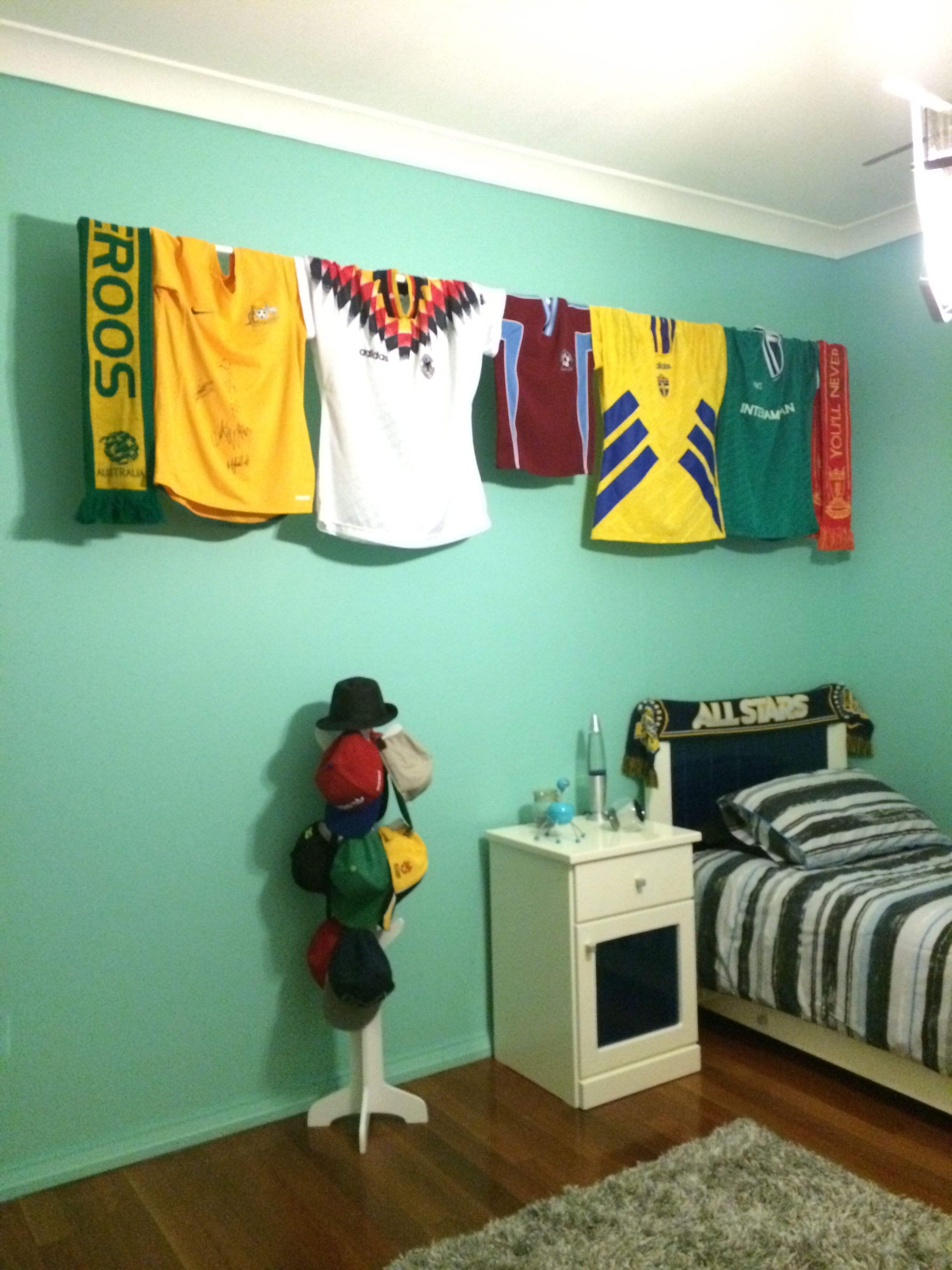 Boys soccer bedroom ideas - 17 Best Ideas About Boys Soccer Bedroom On Pinterest Soccer Bedroom Soccer Room And Soccer Room Decor
