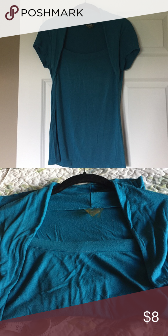 Athleta top Cute Athleta teal top, very soft, size Medium Tops Tees - Short Sleeve