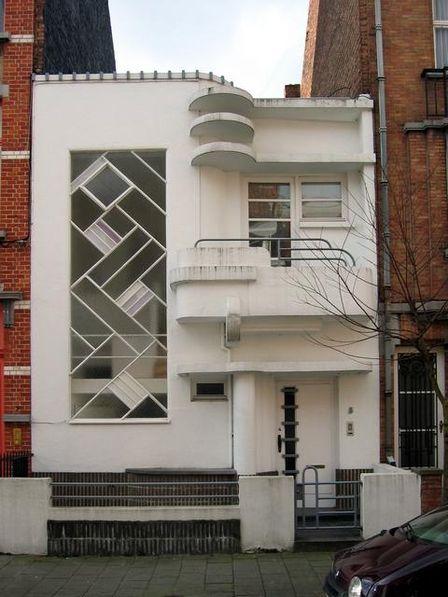 Deco building | Casa Art Deco Entre Medianeras | pastel by Anabella ...