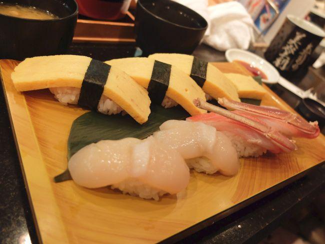 Midori Sushi - If you don't have the time to head to Tsukiji for fresh sushi, I think Midori Sushi would make you almost as happy.