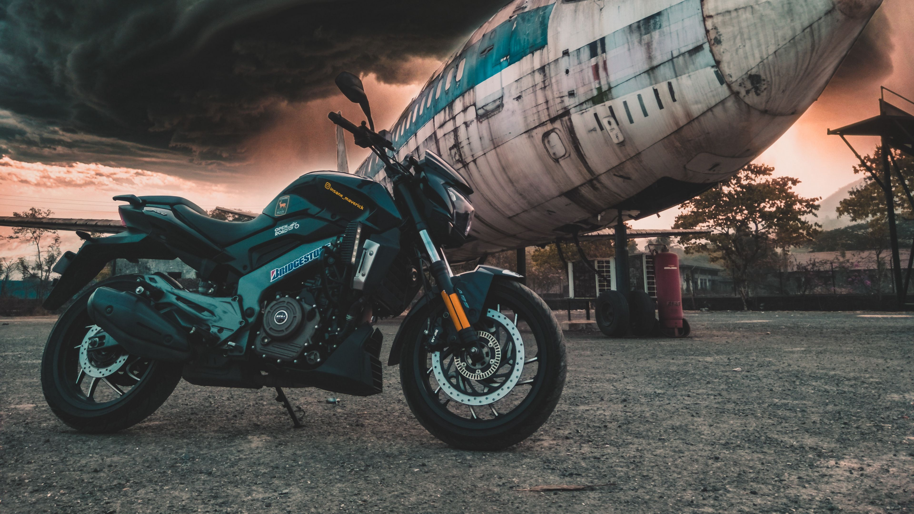 Motorcycle Airplane Side View Clouds Overcast 4k 4k Hd Wallpapers Motorcycle Clouds Hd Wallpaper
