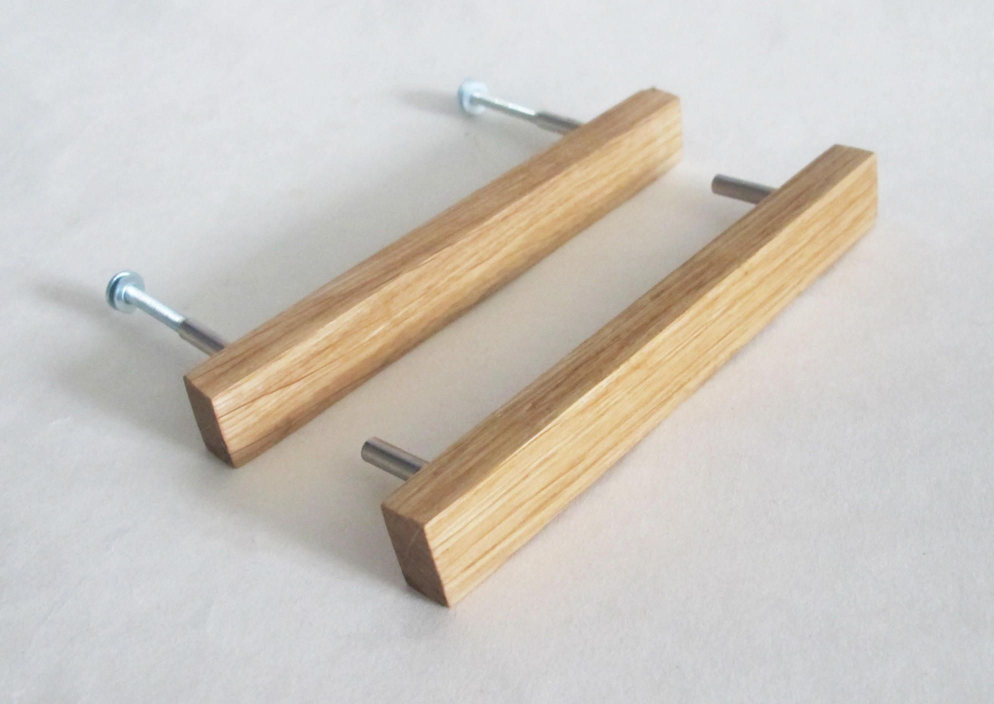 These Handmade Wooden Drawer Pulls Are Made From An Oak Wood The Set Of