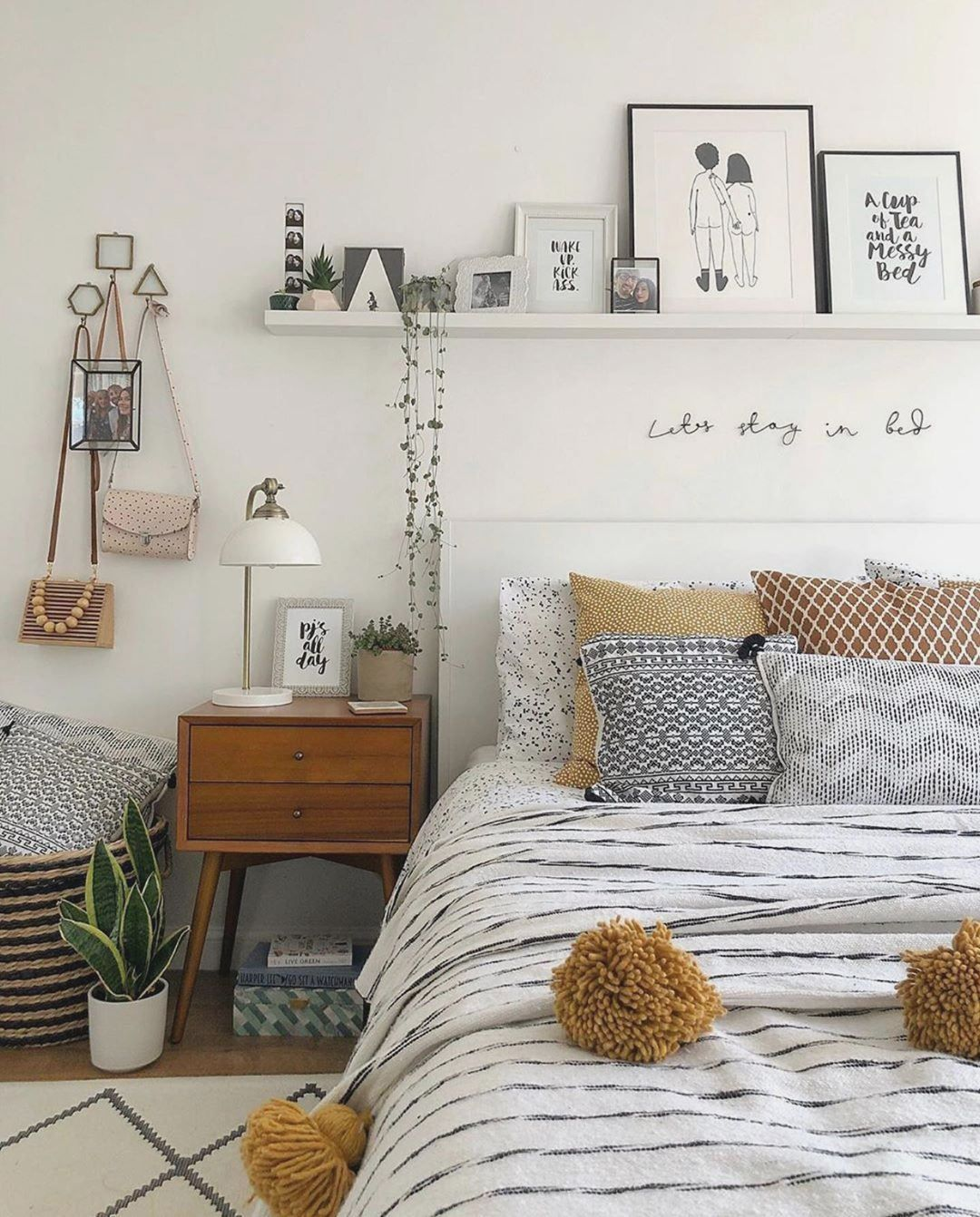 you need a warm bedroom The weather is colder day by day so we collected about 30 bed room decoration ideas for you you can copy it - #bedroominspo