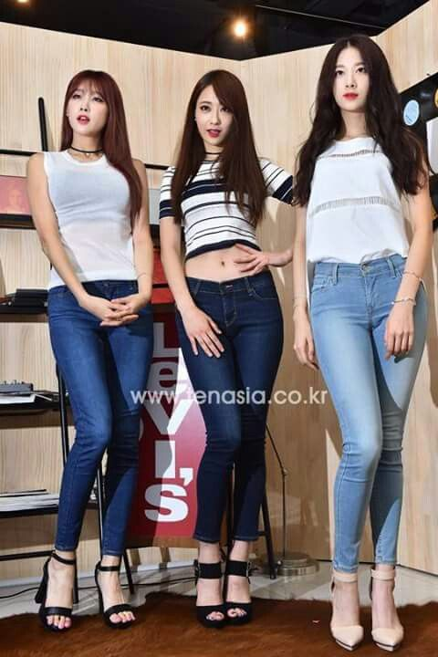 Hyuna, kyungri, minha at Levis launch event
