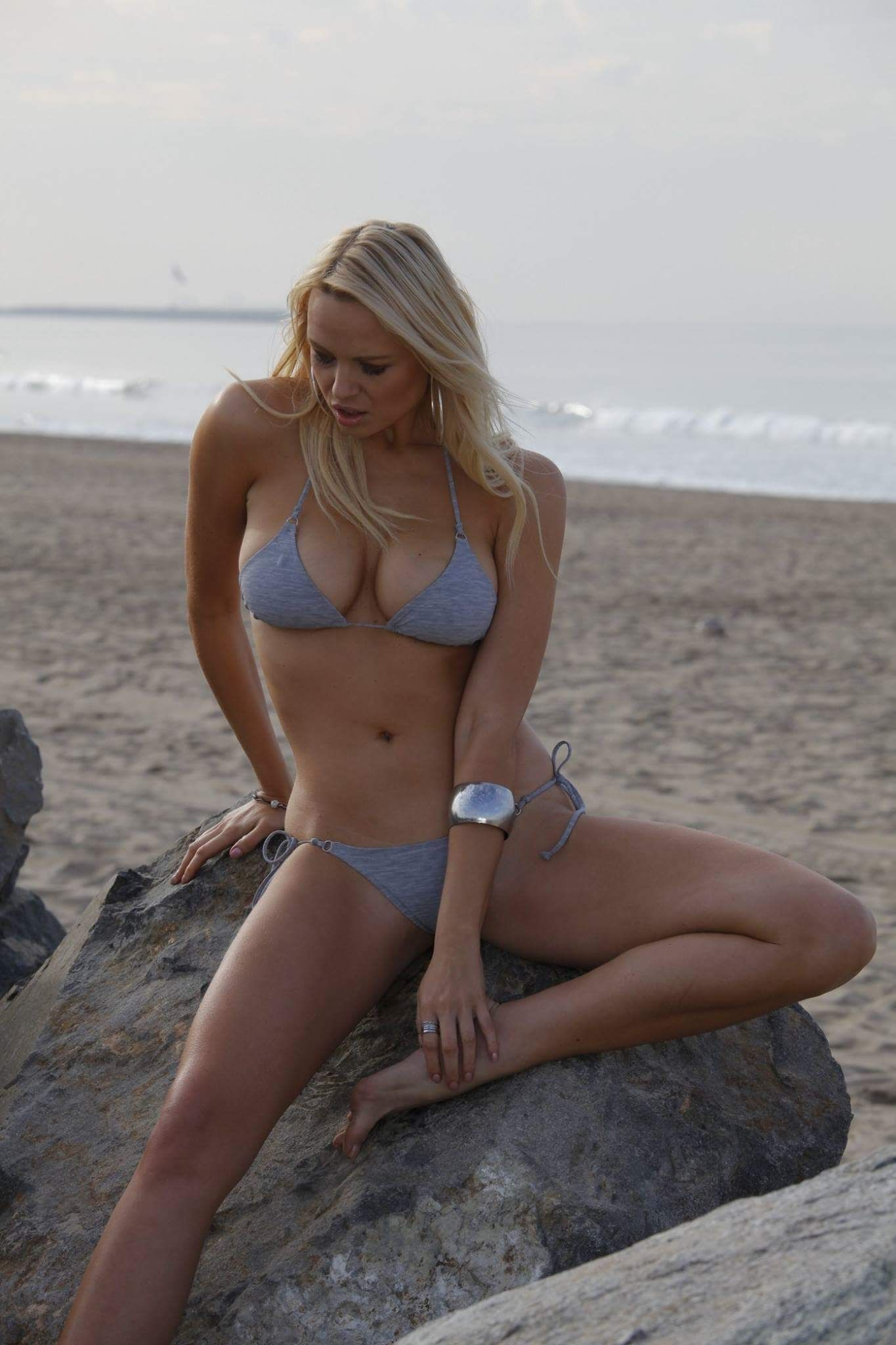 Irina Voronina will decorate any frame with him 72