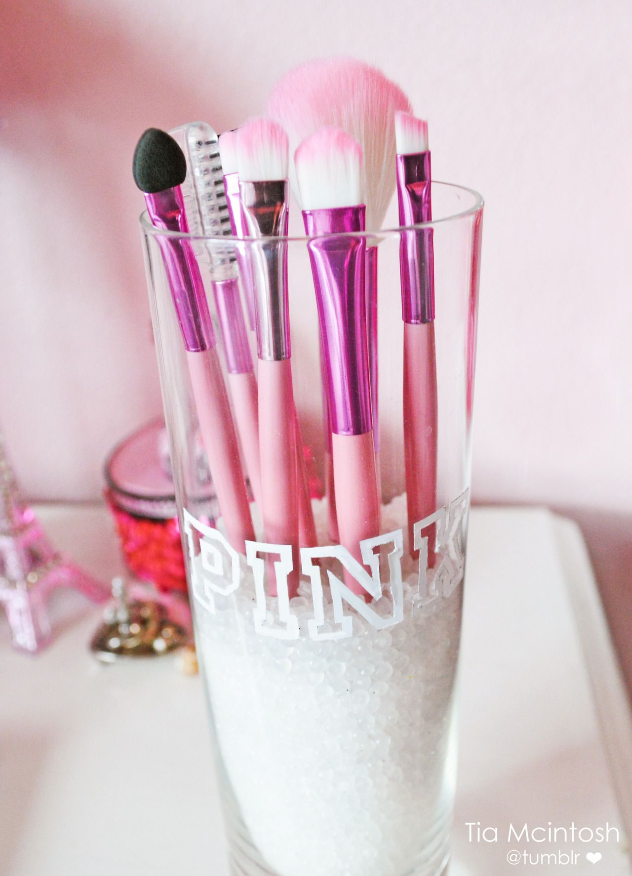 Love the pink makeup brushes you can never have too much
