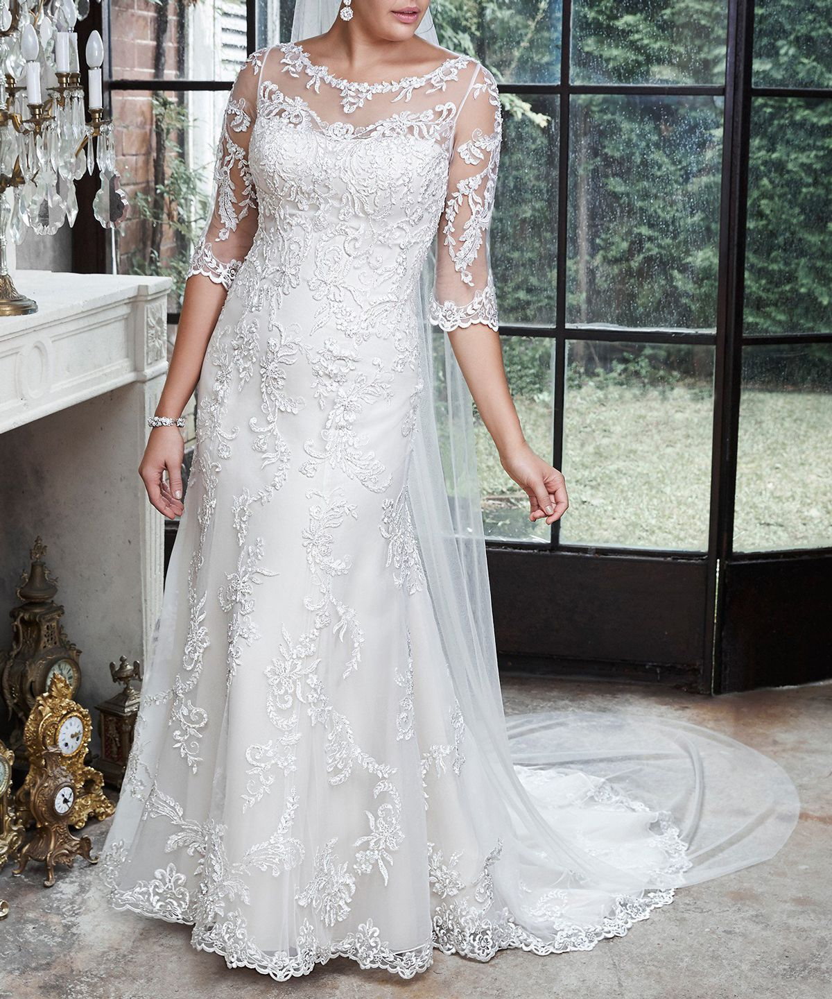 Wedding Gowns For Petite Figures: 11 Beautiful Wedding Gowns For Curvy Figures