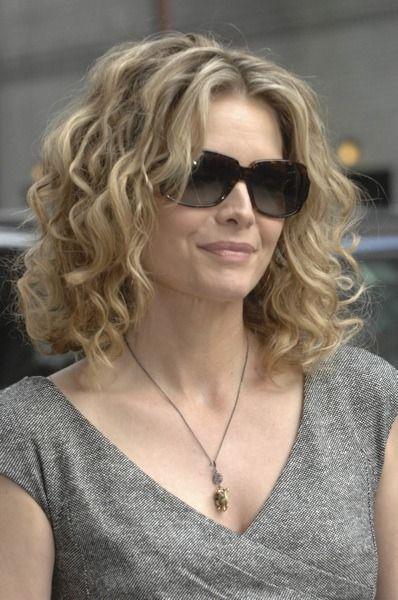 2f00e8b01d2f9 Óculos de 10 Mulheres lindas com mais de 50 anos   Blog Oculum