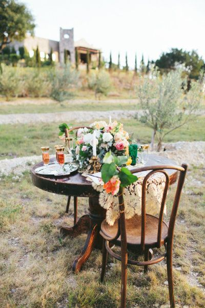 Spanish Inspired Shoot From Loft Photographie Wedding Table Settings Centerpieces Sweetheart Table Decor Sweetheart Table