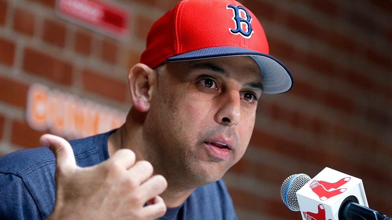 Alex Cora Ex Red Sox Manager Appears To Suggest Carlos