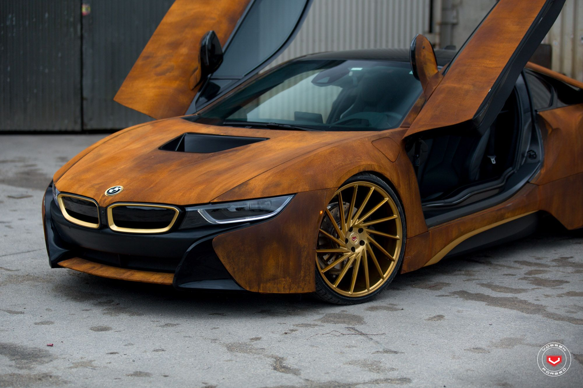BMW i8 Coupe eDrive CoffeeBrown VOSSENWheels Green City
